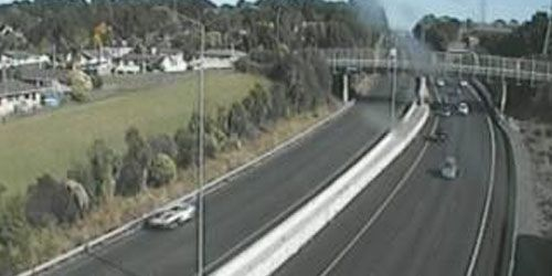 SH1 Alfriston Rd Overbridge -  live webcam , Auckland Auckland