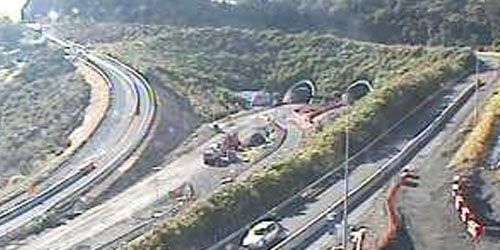 SH1 Johnstones Hill Tunnels -  Webcam , Auckland Auckland